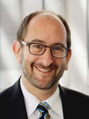 Photo of Aron Cramer